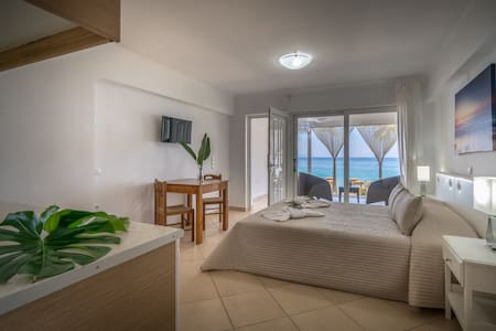 Playa Del Zante - Studio with Sea View - Ψαρρού