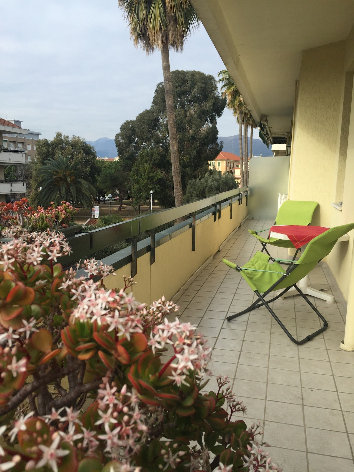 Rent an apartment in Albenga cheap price
