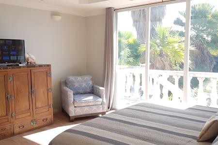 Erisa Private En-suite 1km from Gracebay beach - Leeward Settlement - Lainnya