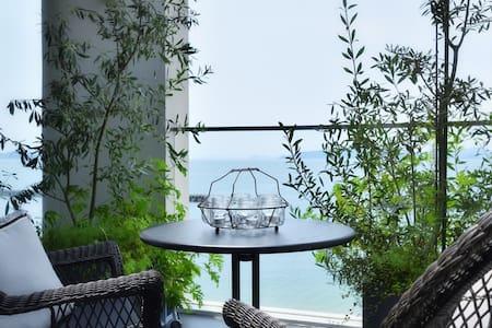 Luxury beach front house in Japan ♡ - Matsuyama-shi - House