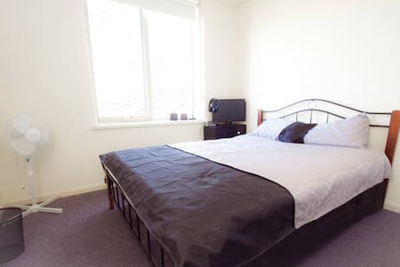 PRIVATE ROOM-QUEEN 1per SouthYarra