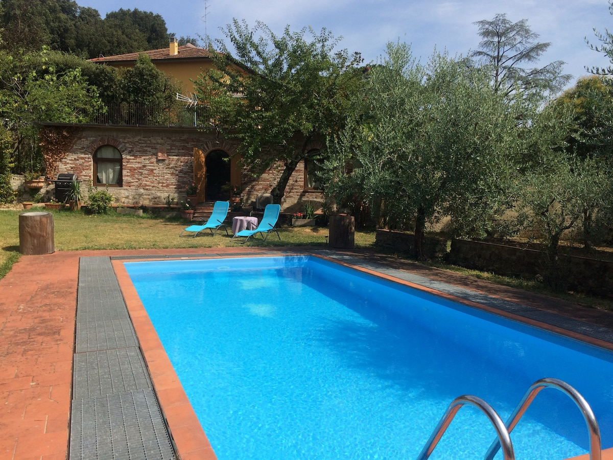 Rent a house in Florence for a month