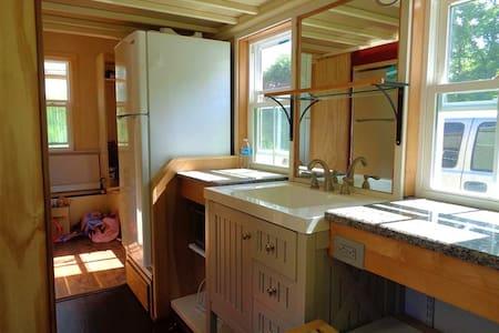 Tiny House, Big Adventure! - Ladson - Apartment