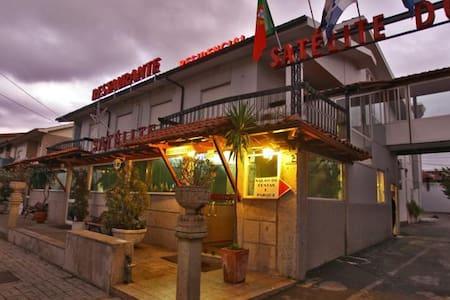 Residencial Satélite - Braga - Gjestehus