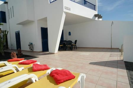 Townhouse in Marina Rubicon with private pool - Casa