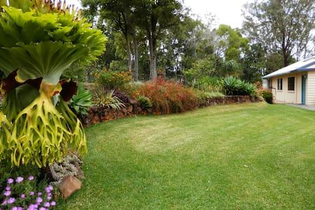 Obilo Lodge, panoramic views, peace in rainforest! - Mapleton