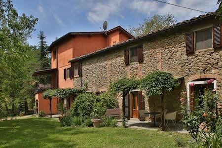 Podere Il Doccio - Casa Terra, sleeps 3 guests - Terranuova Bracciolini