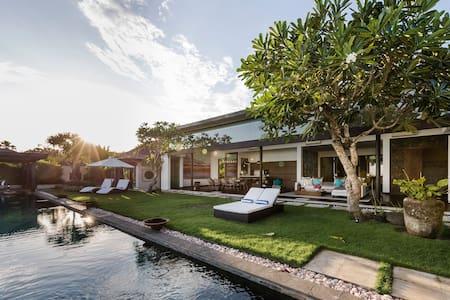 Luxury Villa Amita - South Kuta