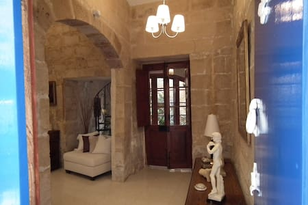Loggia Mariposa Boutique Town House - Bed & Breakfast