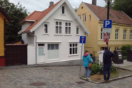 Apt. in the old part of downtown. - Stavanger - Appartamento