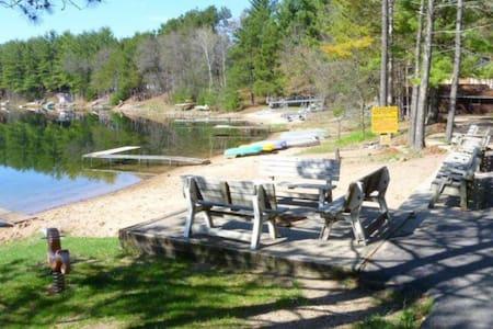 Lakeside Wisconsin Getaway - Wild Rose - Cabin