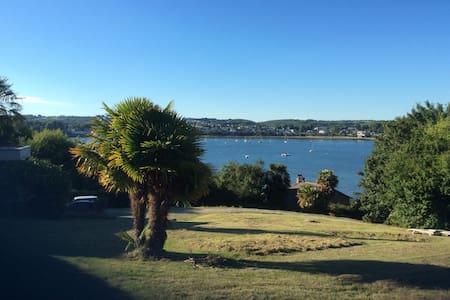 Charmante maison de vacances, bord de mer - Huis
