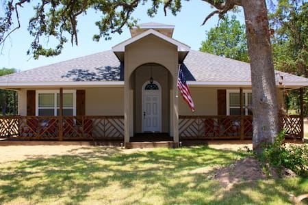 Sailor House **Check our FALL RATES***Sleeps 12 - Casa
