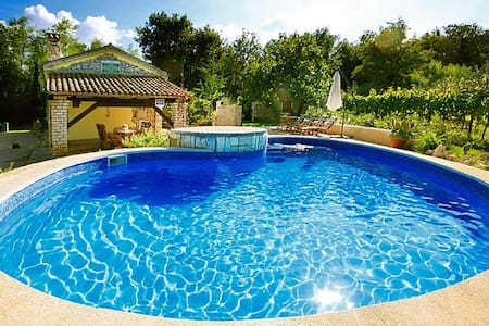 Authentic Pool house - Casa Corona - Labin