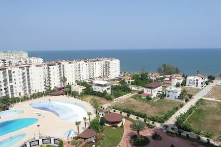 GLİNDİRES, Deniz Manzarası, havuz, 3+1, 200m2 - Apartamento