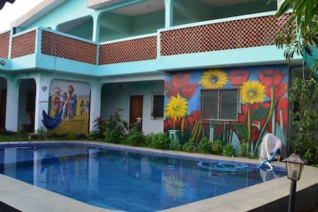 Villa Sonnenblume: Chambre Sahara avec piscine - Villa