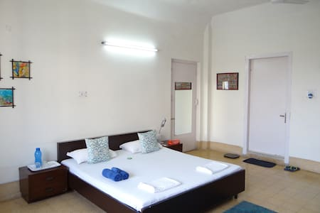 Top location, AC + WiFi, affordable
