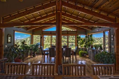 Stupendous Mountain Property Amazing Views 4500sq' - Ház