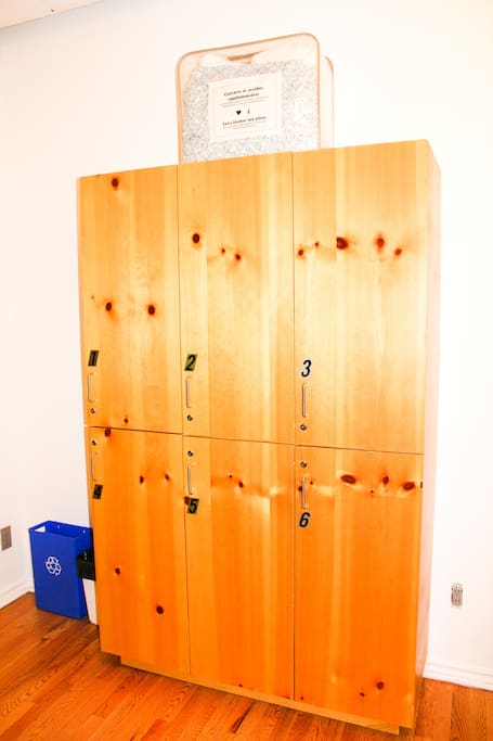 Large lockers provided for free.