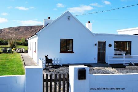 Achill Island Beautifully situated - Saula West
