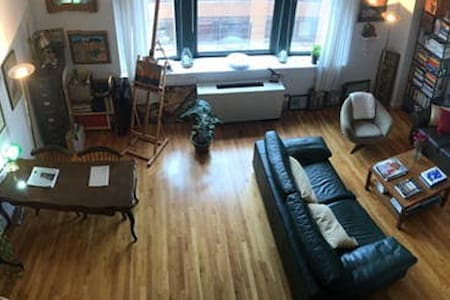 Airy, light-flooded 2 bath West Village apartment - New York - Apartment