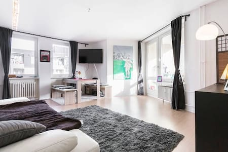 Helle Unterkunft mit mobilem WiFi - Berlino - Appartamento