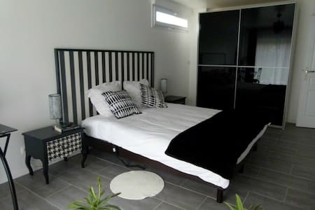 LBVD Chambre Réglisse - Bed & Breakfast