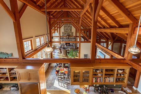 140-Acre Private Estate Offering Peace and Quiet - Goshen - Ház
