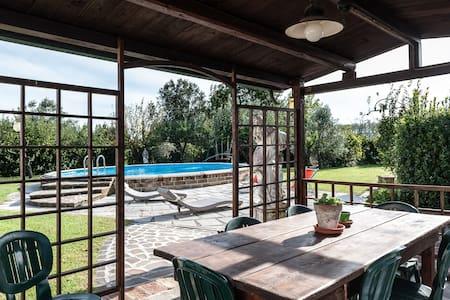 Casolare con piscina in Toscana - Capannoli - Hus
