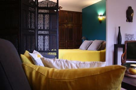 Bel appartement dans maison aux portes d'Uzès - Garrigues-Sainte-Eulalie - Byt