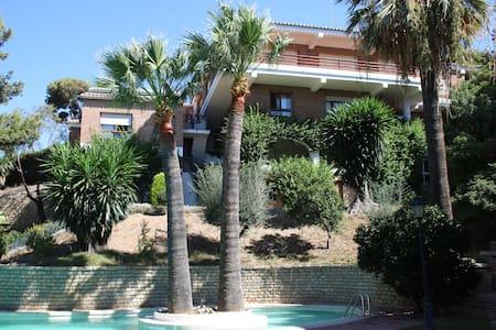Villa Las Yedras.  Málaga city. - Malaga