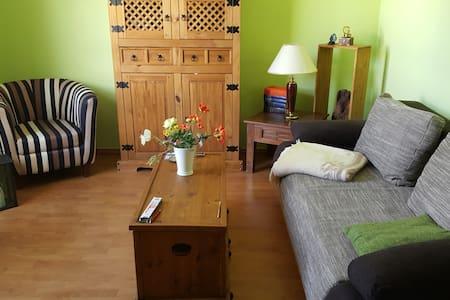 Cosy room, bohemien, Neubrandenburg Mitte - Apartamento