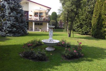 Elegante casa con giardino a Treviso - Visnadello