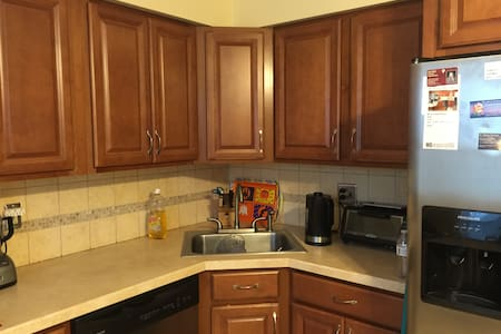 3 Bedroom Condo - Apartamento
