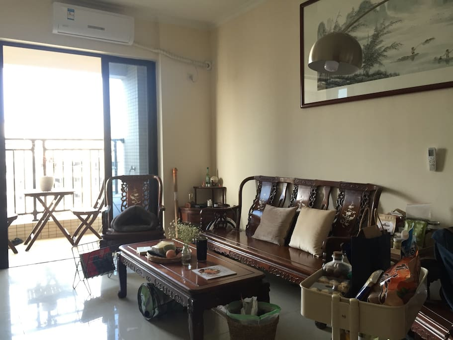 Chinese style furniture in the living room 客厅的中式家具