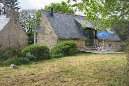 Le Nezerh, no.2 - 'Petite maison' - Hus