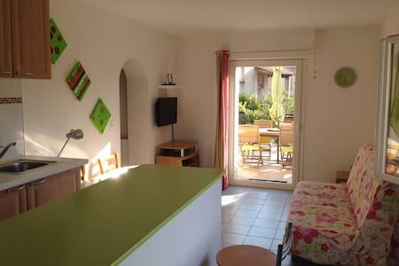 Appartement F2 44m² + Terrasse 20m² - Afa - Lägenhet