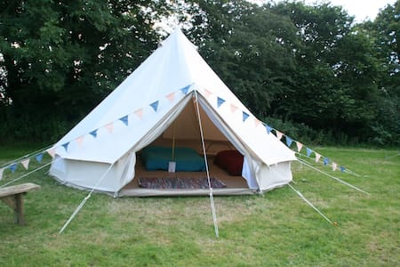 Go Wild Adventures 5m Bell Tent Simple Glamping - Saint Clears - Khemah