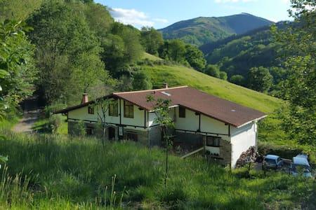 Casa rural ** B&B Pikukoborda H3 - Lesaka - Bed & Breakfast