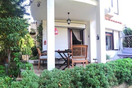 Cozy place with garden in Buyukada - Adalar