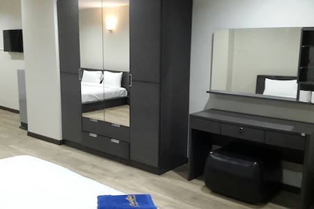 King Size DoubleBed/55 sq.m./Wi-Fi - Hat Yai - Appartamento