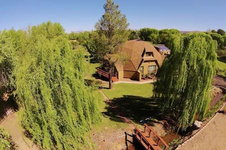 5BR Oasis w/pool in AZ Wine Country - Haus