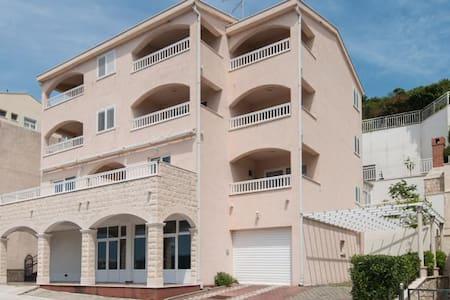 Apartments Obradovic - Leilighet