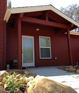 Red Tail Roost in Upper Ojai - Ojai - House