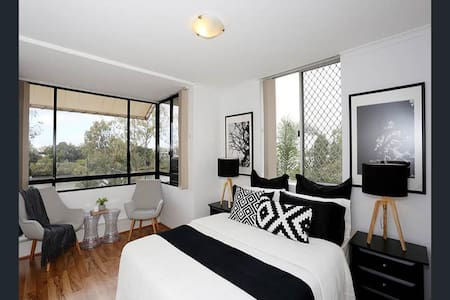 Stunning Riverview Apartment near Brisbane CBD - Auchenflower