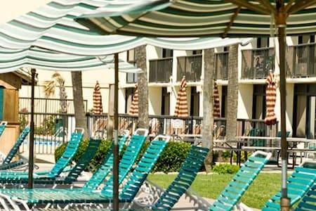 Oceanfront condo near main street - North Myrtle Beach - Condominium