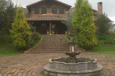 Casa de Campo faldas del Cotopaxi - Lasso - Villa