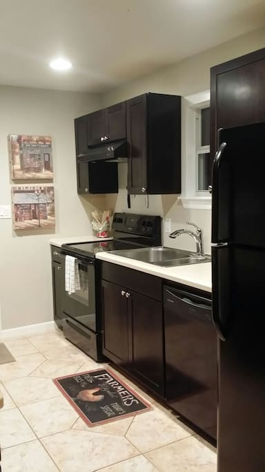 Electric oven/cooktop, large fridge, large sink ..... and soft water!