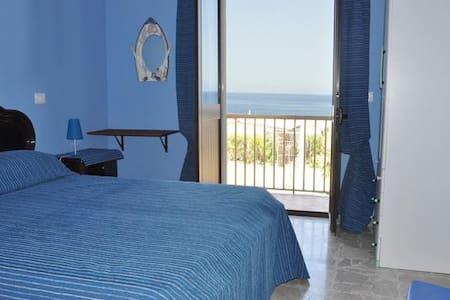 B&B Ro.Ma. Vista Mare - Bed & Breakfast