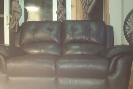 Couch or loft available. - Casa
